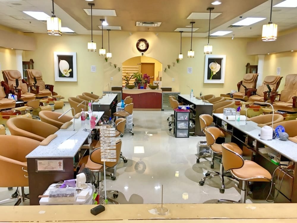 5 Start Nails Pedicure Room