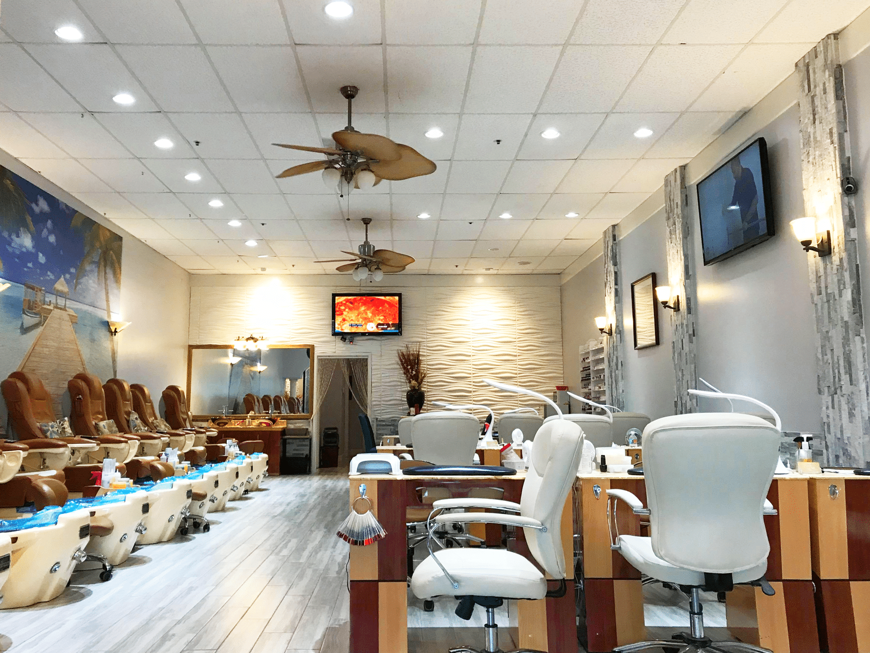 Are You Looking for a Better Nail Salon in Naples, Florida?