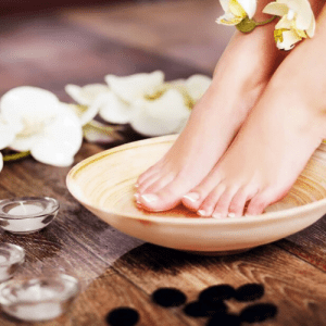 Natural Deluxe Pedicure