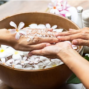 Herbal Manicure