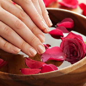Deluxe Manicure 20 minutes