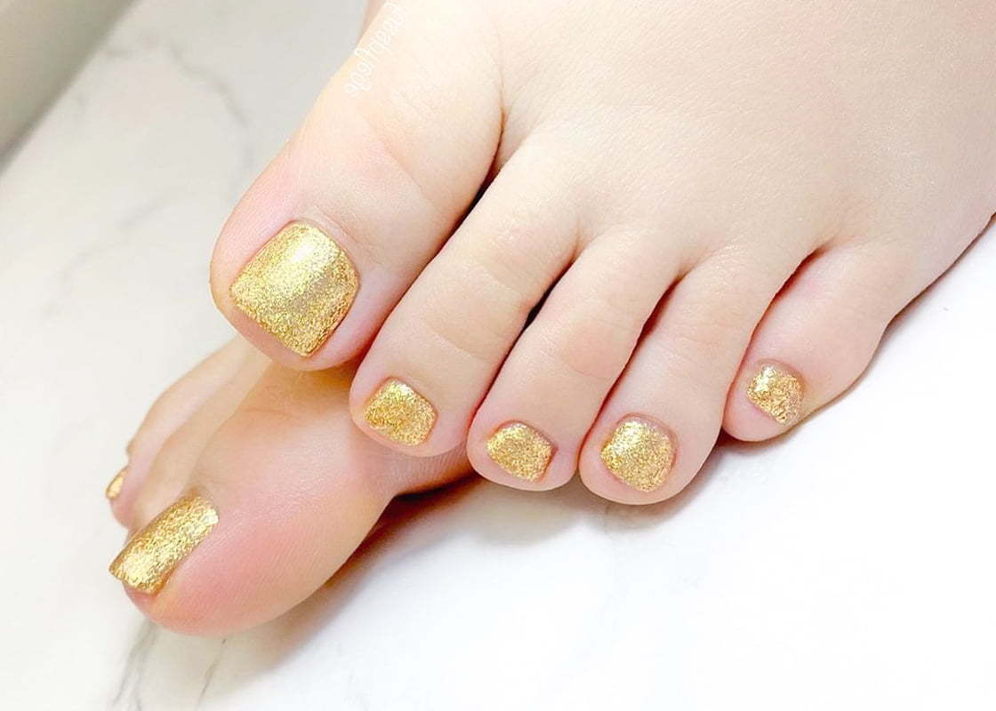 Add-on Shellac to Pedicure